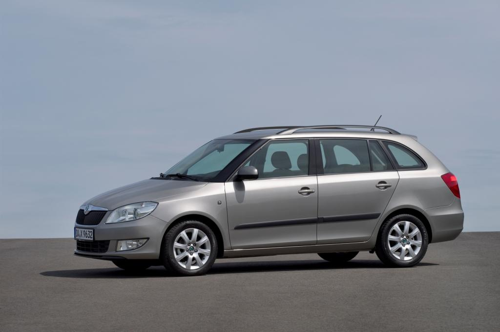 skoda fabia combi test 2012. Black Bedroom Furniture Sets. Home Design Ideas