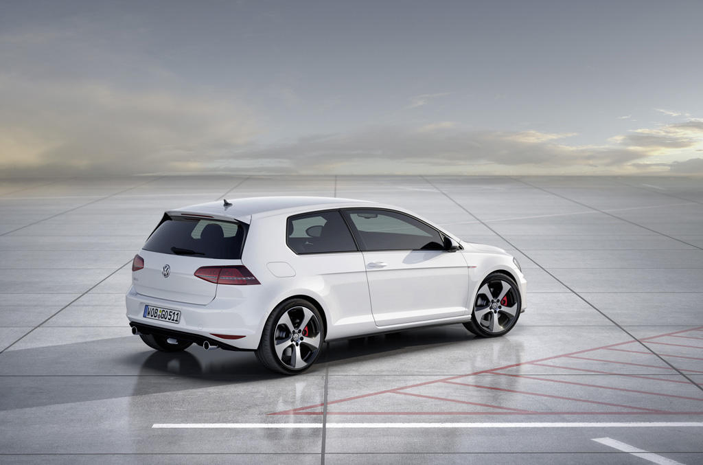 vw golf gti 7 im test weiter eine nasenl nge voraus. Black Bedroom Furniture Sets. Home Design Ideas