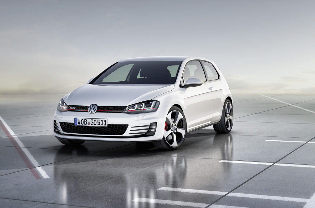 test vw golf 7 gti der konkurrenz auf und davon. Black Bedroom Furniture Sets. Home Design Ideas