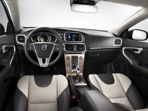 Der neue Volvo V40 Cross Country Cockpit