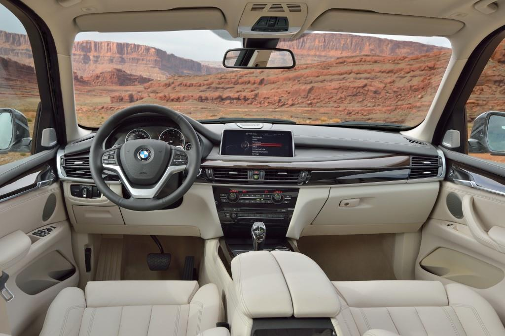 bmw x5 2013 suv weltmarktf hrer im neuen glanz. Black Bedroom Furniture Sets. Home Design Ideas