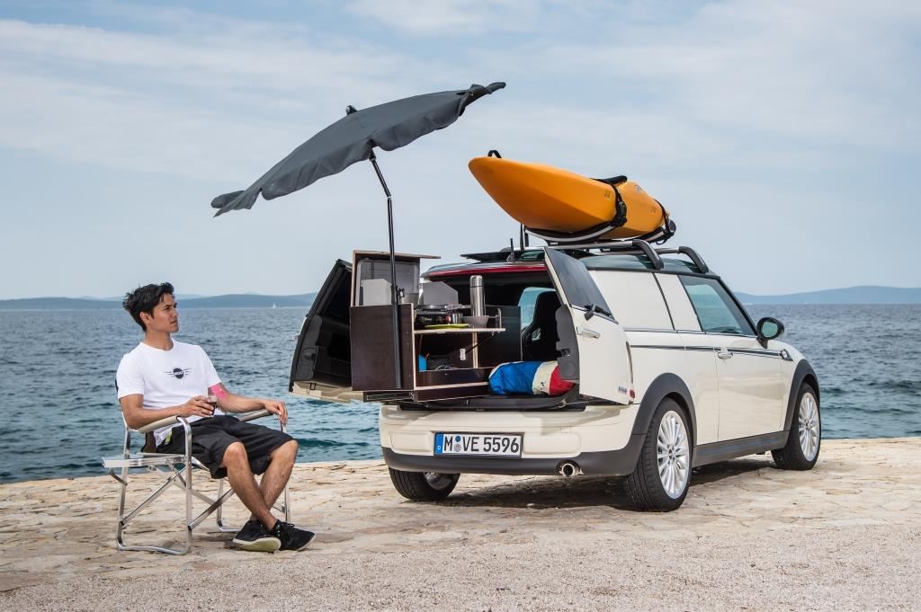 mini clubvan camper als kleinstes wohnmobil der welt. Black Bedroom Furniture Sets. Home Design Ideas