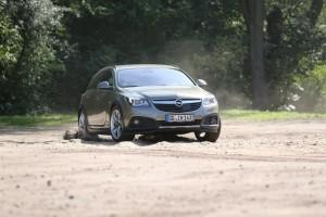 opel insignia country tourer test