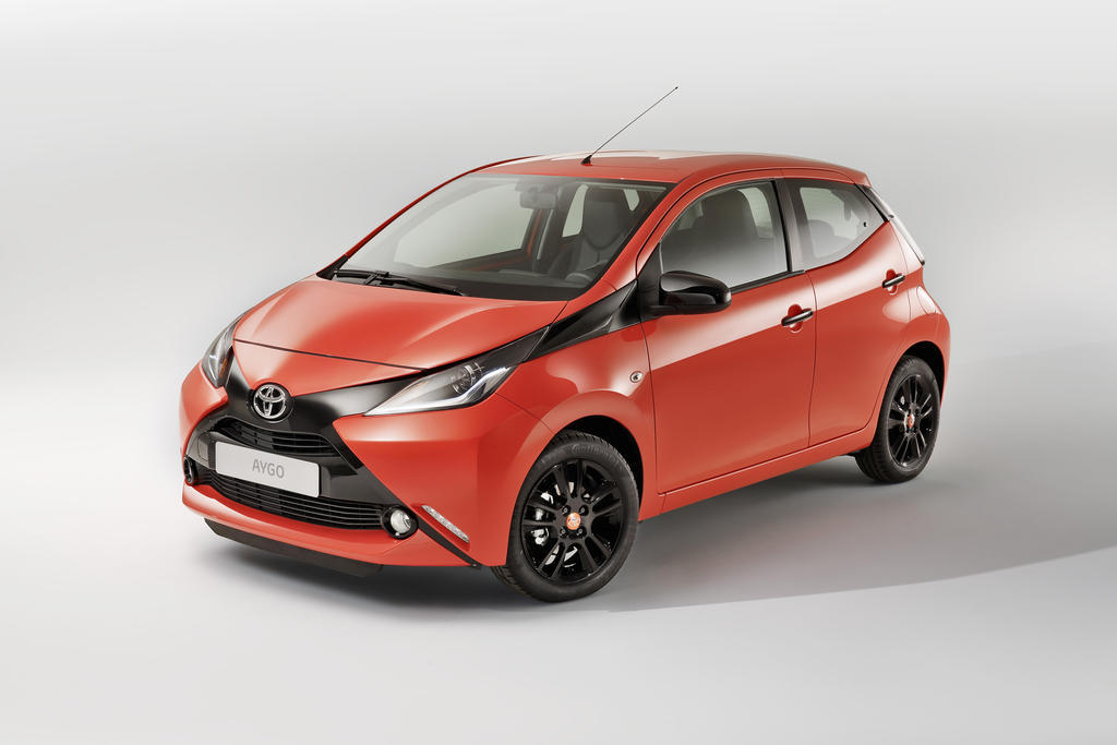 2014 toyota aygo marks the spot. Black Bedroom Furniture Sets. Home Design Ideas