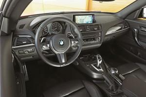 bmw 2er cockpit 2014 test