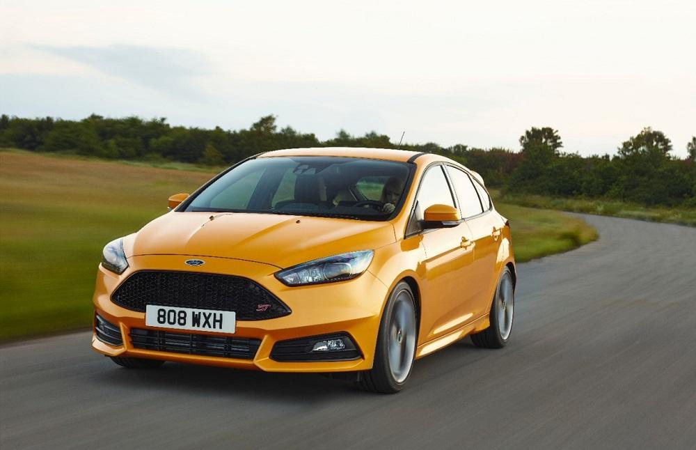 ford focus st 2014 ebenfalls mit facelift. Black Bedroom Furniture Sets. Home Design Ideas