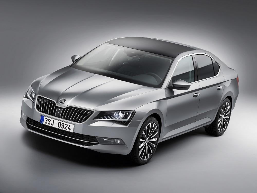 skoda superb limousine test 2015 dem stiefkind geh rt der erste auftritt. Black Bedroom Furniture Sets. Home Design Ideas