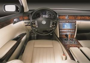 vw phaeton cockpit test