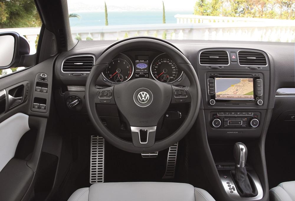 vw golf cabrio test ist der golf auch offen ein hit. Black Bedroom Furniture Sets. Home Design Ideas