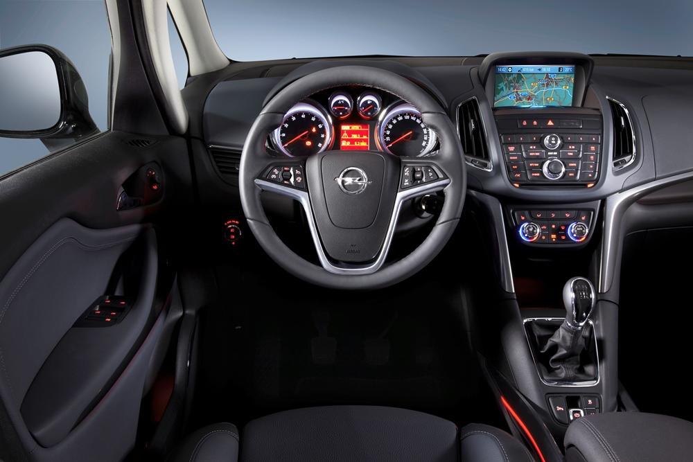 Opel Zafira Tourer Test Der Van Als Auslaufmodell Meinauto