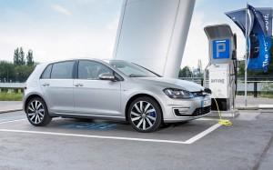 VW Golf 7 GTE 2015 ladestation