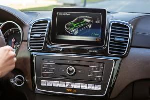 GLE 500 e (Plug-In Hybrid), 2015, COMAND Display mit Energieflussanzeige