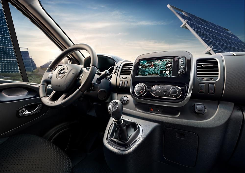 Opel vivaro combi test 2015 darf es ein wenig mehr sein for Interieur opel vivaro