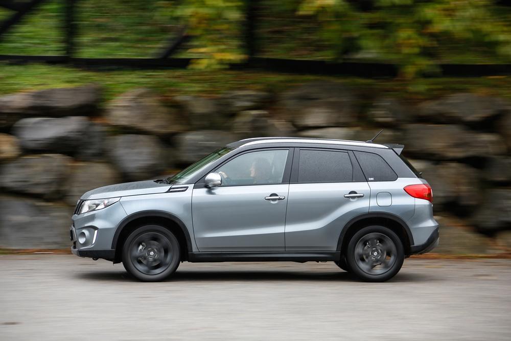 Suzuki Vitara S 2015 Aussen Seite Dynamisch