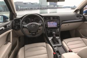 VW Golf 7 Variant 2015 innen cockpit