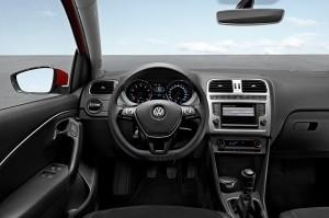 VW Polo 2015 innen cockpit