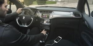 DS 3 2016 innen cockpit handy