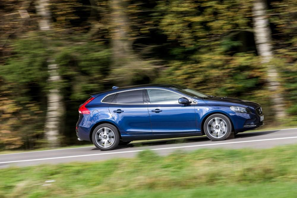 volvo v40 test 2016 frischer wind dank neuer motoren. Black Bedroom Furniture Sets. Home Design Ideas