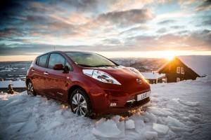 Nissan Leaf 2016 außen statisch schnee