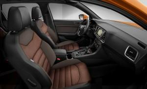 Seat Ateca 2016 innen cockpit seite orange