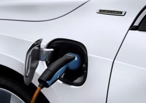 Volvo_V60_D6_Plug_in_Hybrid_2016_laden