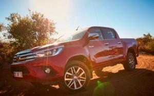 toyota_hilux_pick-up_2016_ausen_vorne