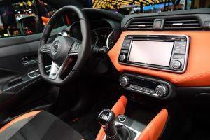 Nissan_Micra_2017_innen_cockpit
