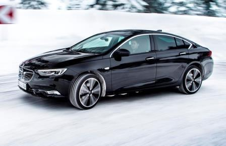 opel insignia grand sport mit allrad und torque vectoring. Black Bedroom Furniture Sets. Home Design Ideas