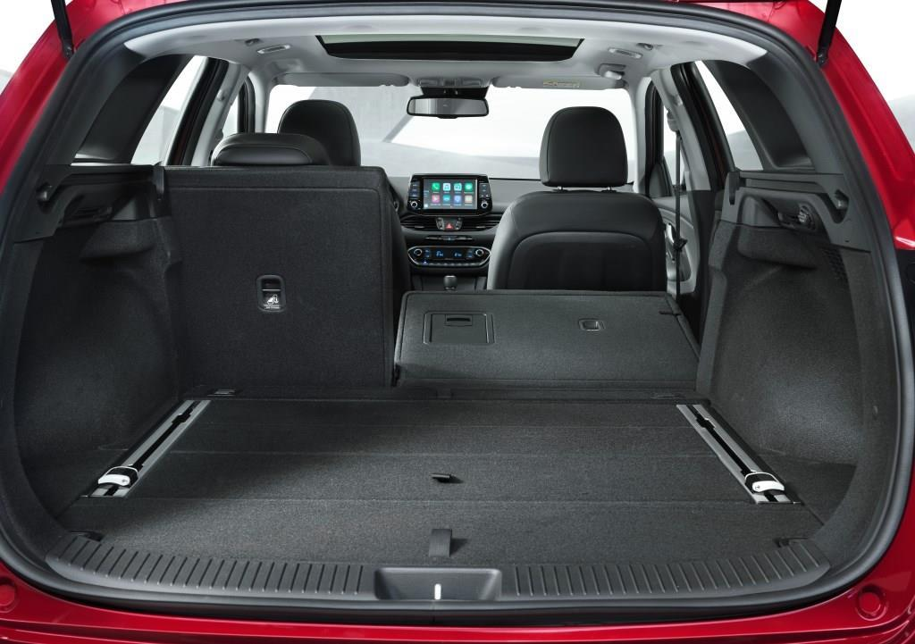 hyundai i30 kombi weltpremiere auf dem genfer autosalon. Black Bedroom Furniture Sets. Home Design Ideas