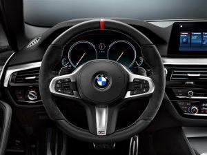 bmw-5er-touring-m-performance-2017-innen-cockpit