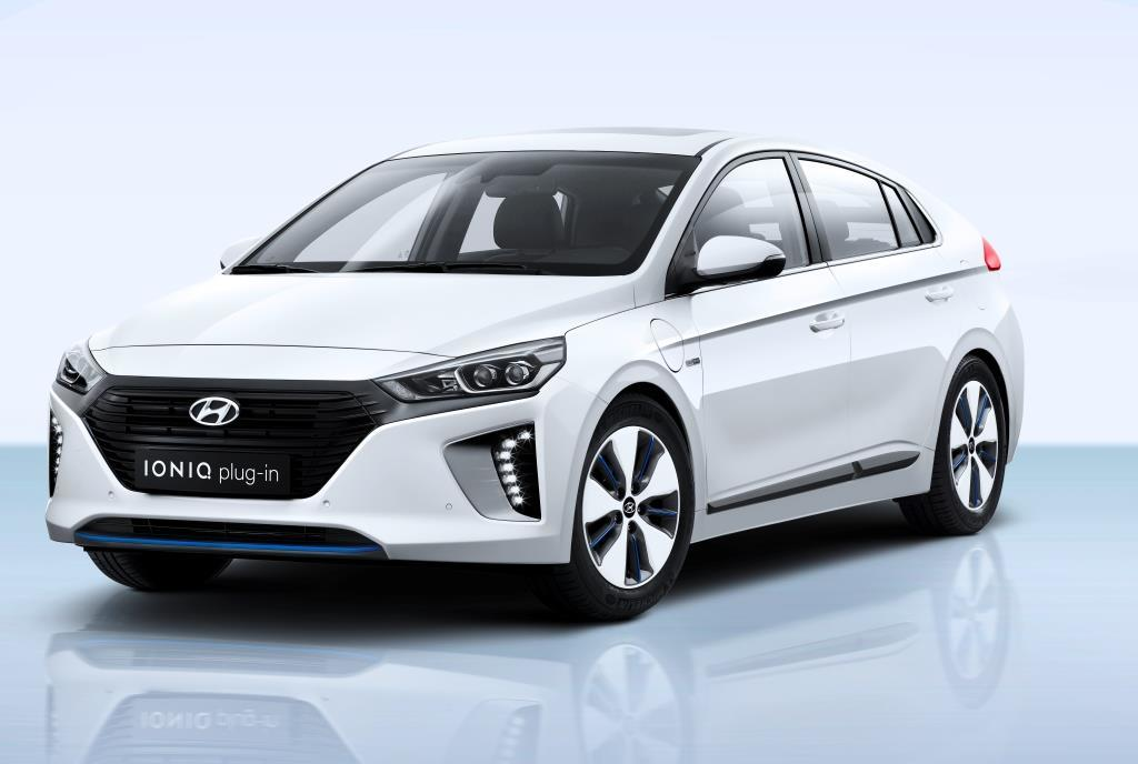 hyundai ioniq plug in hybrid komplettiert modellfamilie. Black Bedroom Furniture Sets. Home Design Ideas