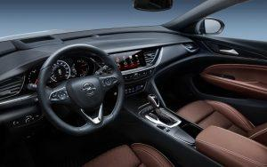 opel-insignia-country-tourer-2107-innen-cockpit