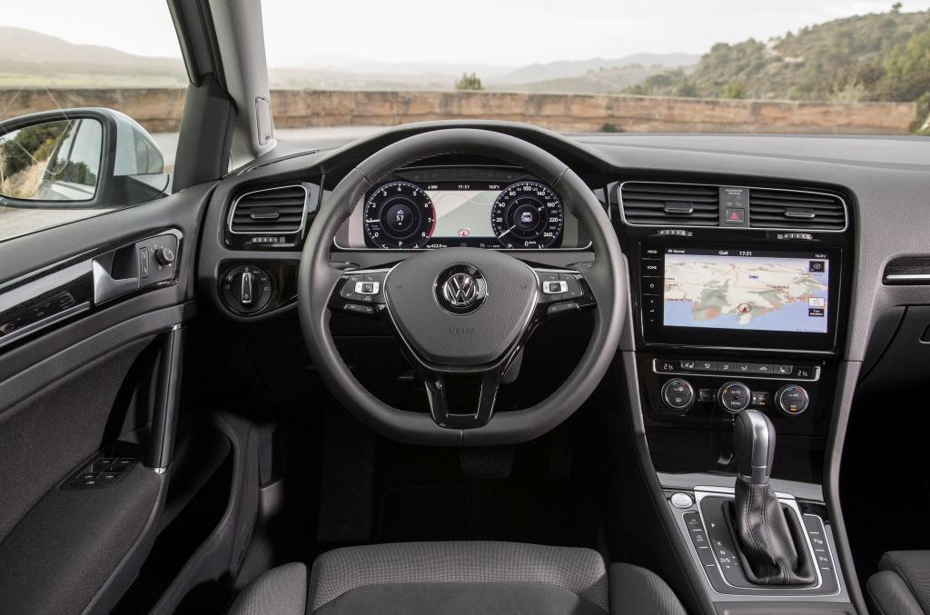 vw golf 7 variant im test 2017 ein gepflegter test mit dem gepflegten golf kombi. Black Bedroom Furniture Sets. Home Design Ideas