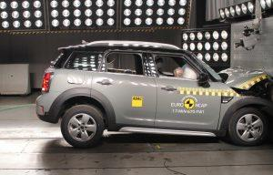 mini-countryman-2017-ncap-crashtest