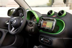 smart-fortwo-electric-2017-innen-cockpit