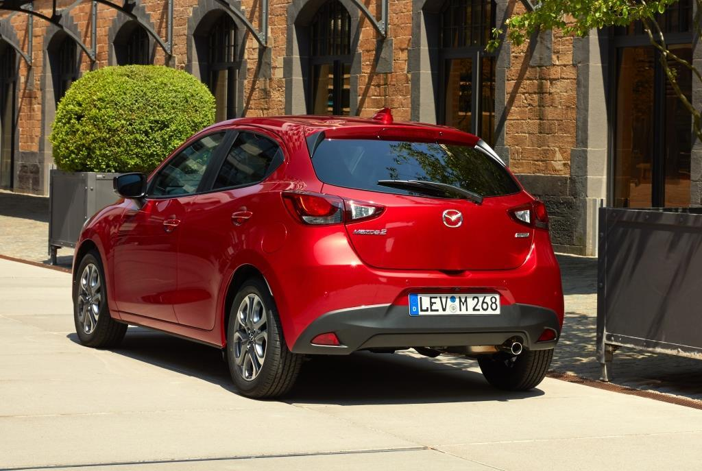 mazda2 im test 2017 ein facelift im ninja stil. Black Bedroom Furniture Sets. Home Design Ideas