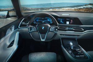 bmw-concept-x7-iperformance-iaa-2017-innen-cockpit