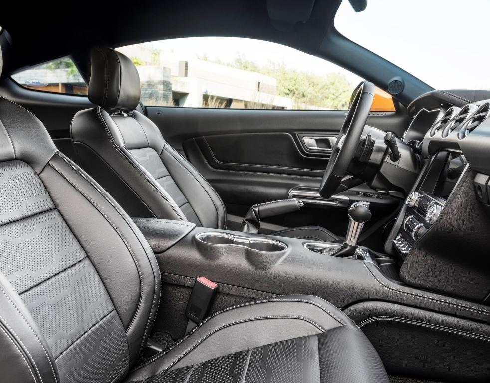 Ford Mustang 2018 Innen Cockpit
