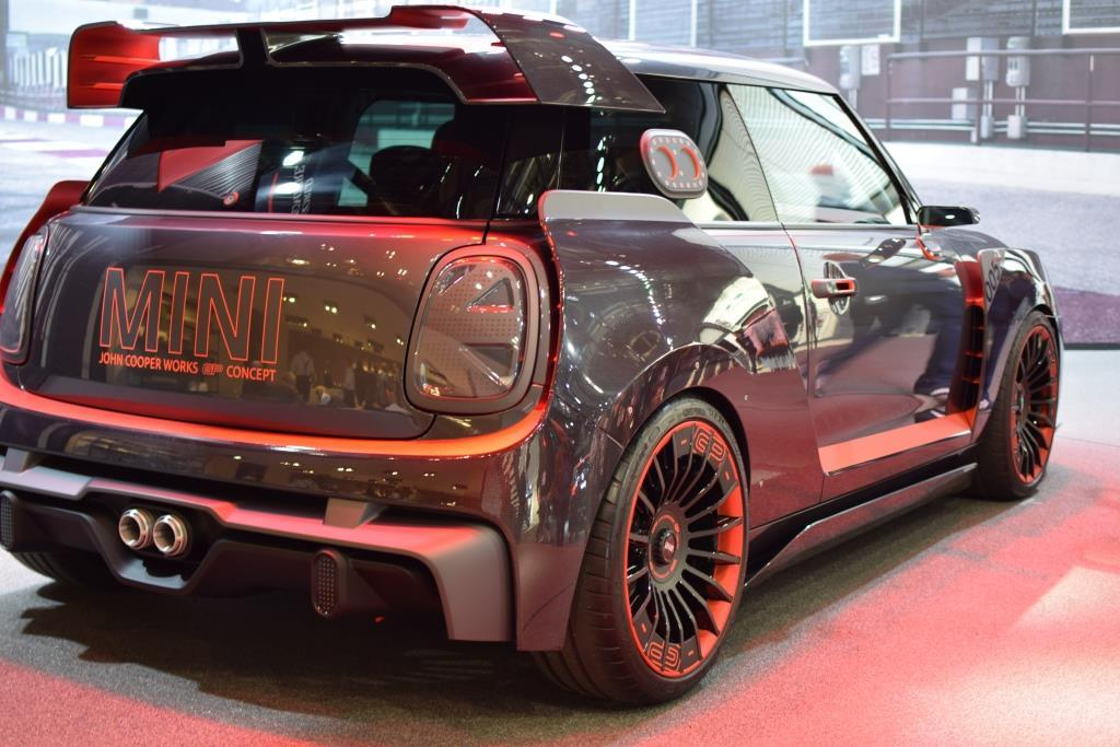 mini john cooper works gp concept highlight auf der iaa 2017. Black Bedroom Furniture Sets. Home Design Ideas