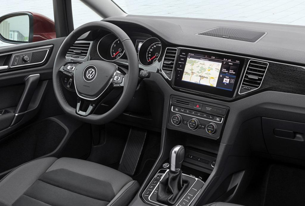 vw golf sportsvan 2017 2018 facelift f r den mini van. Black Bedroom Furniture Sets. Home Design Ideas