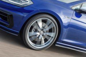 vw-golf-r-variant-2018-performance-paket-felgen-bremse