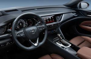 opel-insignia-country-cross-2017-innen-cockpit