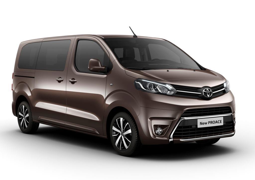 Peugeot Familie Auto >> Toyota Proace Verso II im Test (2017): das Ass für den großen Familienspaß? - MeinAuto.de