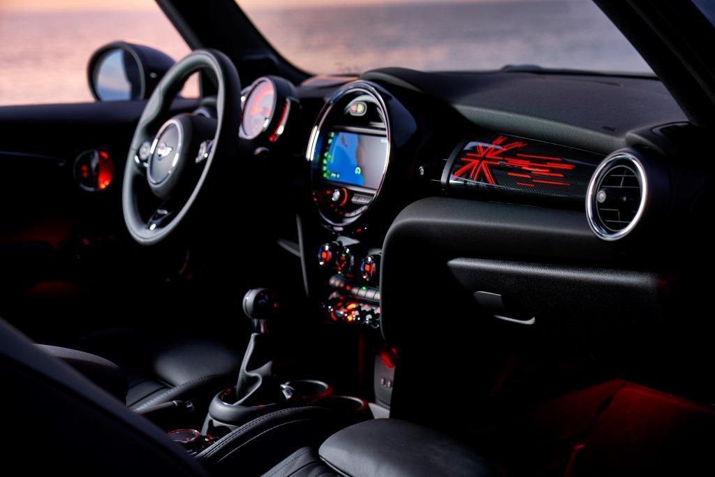 Mini 2018 Neues F 252 R Den 3 T 252 Rer 5 T 252 Rer Und Das Cabrio