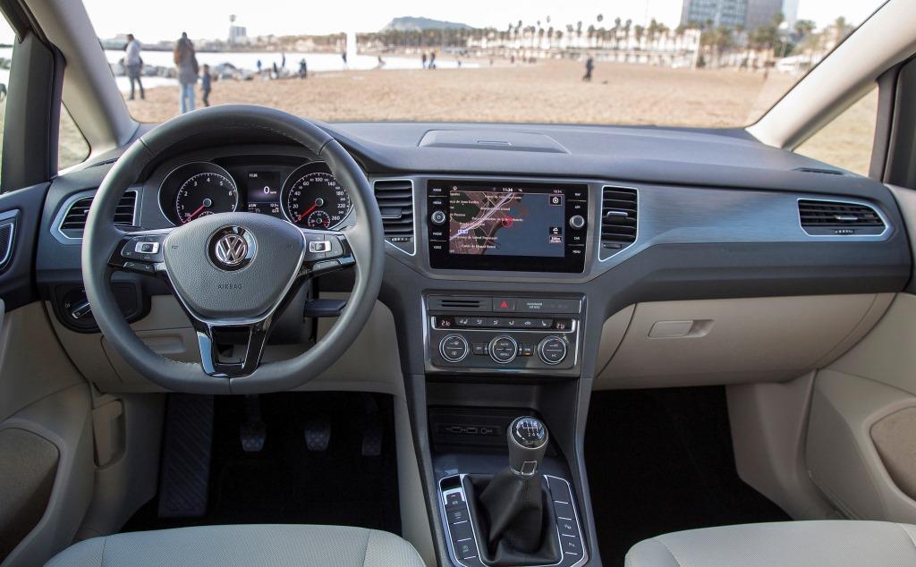 vw golf sportsvan im test 2018 volkswagen bringt das 2017er facelift. Black Bedroom Furniture Sets. Home Design Ideas