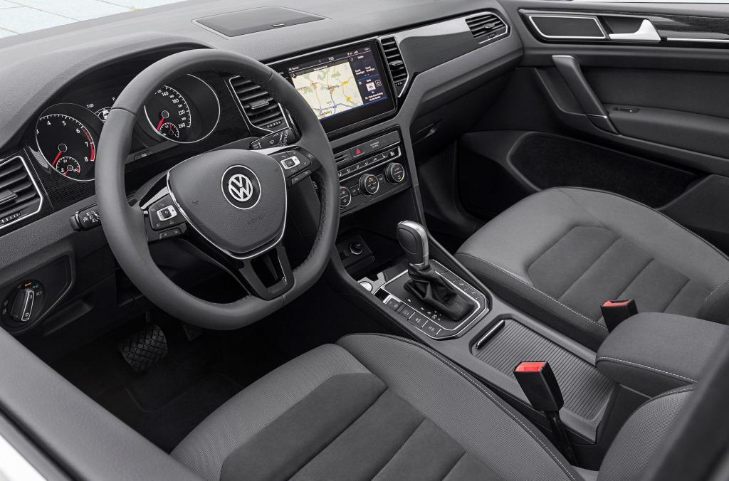 vw golf sportsvan im test 2018 volkswagen bringt das. Black Bedroom Furniture Sets. Home Design Ideas