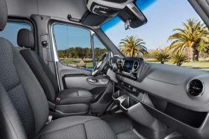 mercedes-sprinter-2018-innen-cockpit