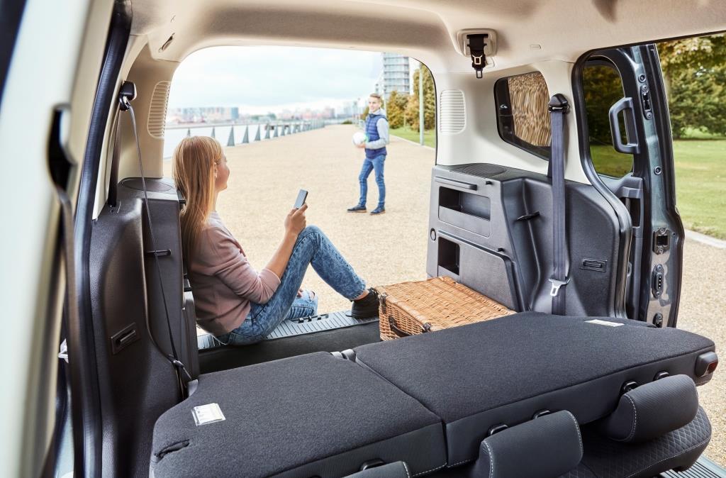 Ford Tourneo Custom 2018 >> Ford Tourneo Courier im Test (2018): kompakten Hochdachkombi wird modellgepflegt - MeinAuto.de