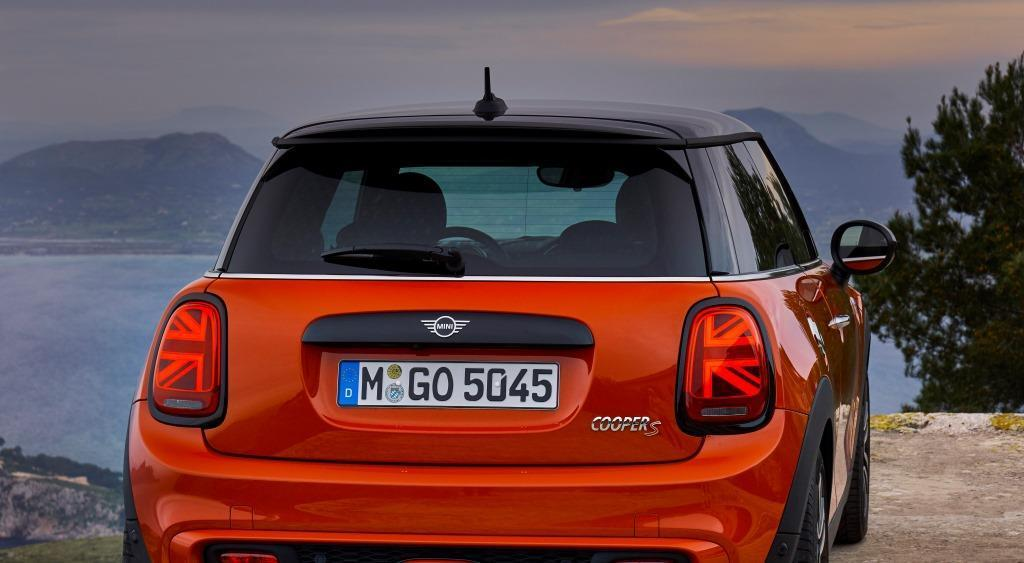 mini cooper 3 t rer im test 2018 das facelift als. Black Bedroom Furniture Sets. Home Design Ideas