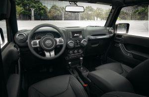 jeep-wrangler-jk-edition-2018-innen-cockpit